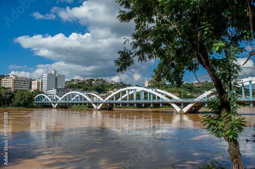 Sydney Ponte dos Arcos sobre Rio Paraíba do Sul, Barra Mansa - RJ