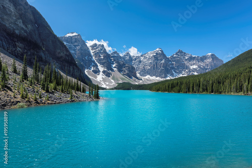 Foto op Canvas Canada Moraine lake in Banff National Park, Canada.