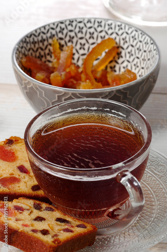 Papiers peints The cup of tea with dried fruit cake