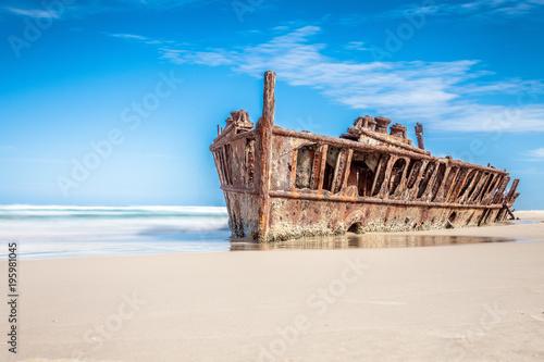 Fotobehang Schipbreuk ship wreck on fraser island, Australia