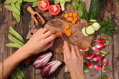 gotowanie surowego warzywa