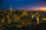 Skyline von New York City in der blauen Stunde - 196157401