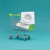 buy electrical goods in the store - 196169003