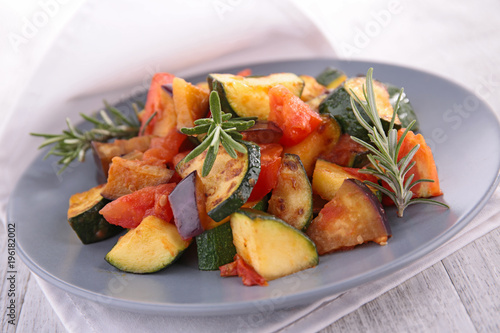 grilled vegetable, ratatouille - 196182002