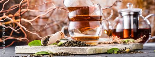 Fototapeta Frisch gebrühter Tee