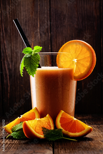 Foto op Canvas Sap orangensaft mit minze
