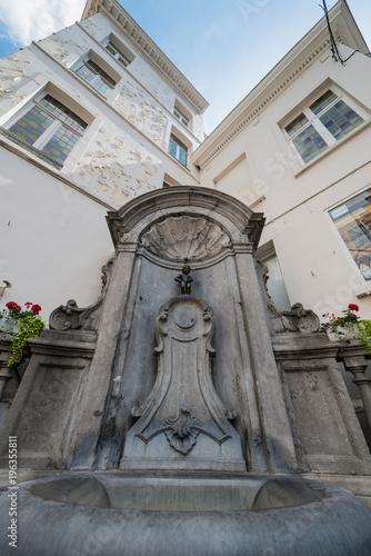 Deurstickers Brussel Manneken Pis sculpture in Brussels, Belgium