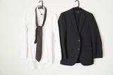 スーツとYシャツとネクタイ - 196490203