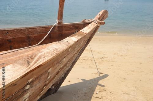 Fotobehang Zanzibar Embarcation de pêcheur en bois à Zanzibar