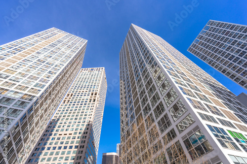 Foto op Canvas Peking up view of modern office building