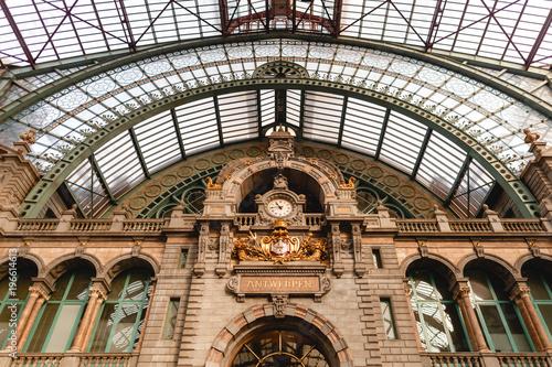 In de dag Antwerpen famous antwerpen-centraal station in Antwerp, Belgium