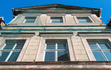 marodes Wohnhaus - 196678882