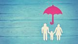 Eltern schützen - Familienfreundlichkeit - 196747210