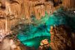 As grutas são autênticas catedrais subterrâneas
