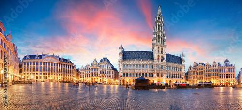 Leinwanddruck Bild Brussels - panorama of Grand place at sunrise, Belgium