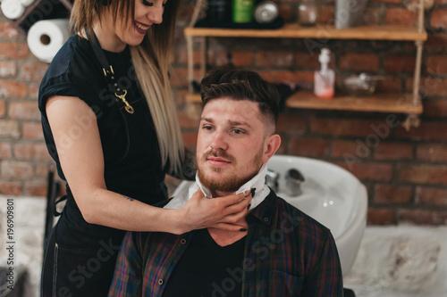 Foto op Plexiglas Kapsalon Mastering the profession of hairdresser