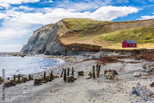 Aluminium Fyle Fisherman's cottage near the coast in Tierra del Fuego