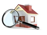 Small house with magnifying glass - 197044814