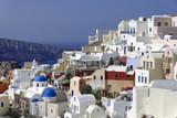 Häuser und Kirchen von Oia, Santorin, Kykladen, Griechenland, Europa - 197150282