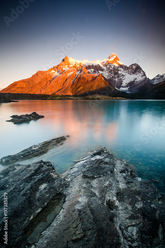 Foto op Aluminium Bergen Patagonia sunrise