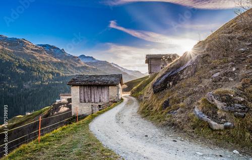 Fotobehang Bleke violet unterwegs im Valser Tal, Graubünden