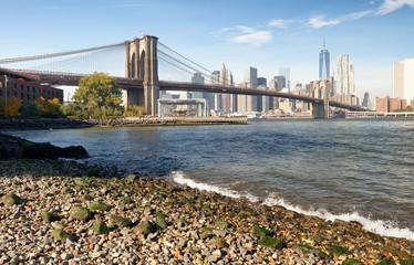 Brooklyn Bridge and Manhattan skyline as seen from Brooklyn Bridge Park, New York City - NY - USA