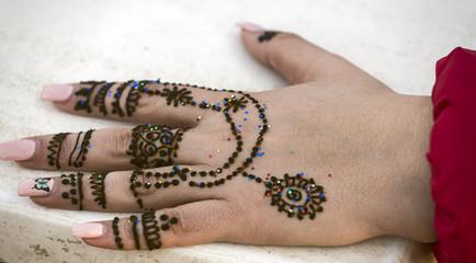 Hand Henna Frau Marrakesch