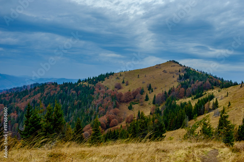 In de dag Blauwe jeans Autumn in the mountains