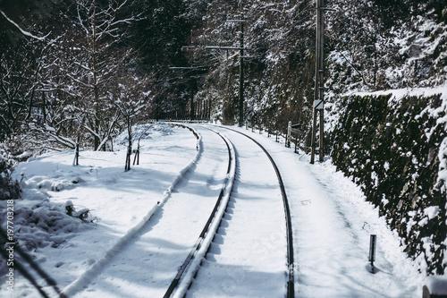 In de dag Spoorlijn 雪の線路