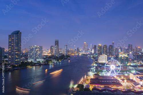 Fotobehang Bangkok Bangkok skyline with travel place and business area.