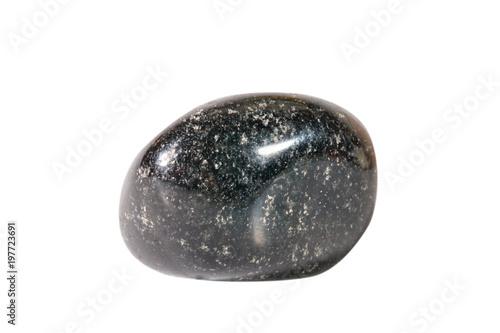 Makrofotografii z naturalnego kamienia. Surowy agat mineralny w Indiach. Izolowany obiekt na białym tle.