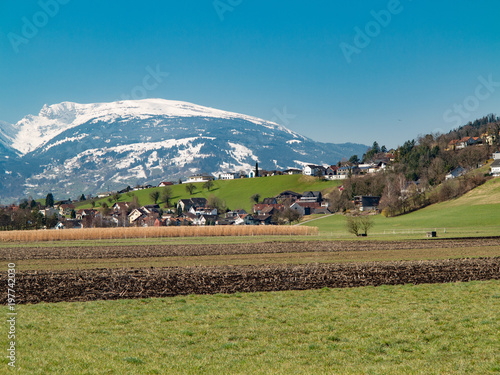 In de dag Blauwe jeans Am Egelsee zwischen Feldkirch und Liechtenstein