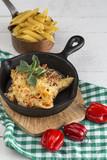Macaroni with cheese and chorizo. Homemade - 197845016