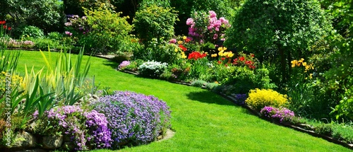 Leinwanddruck Bild beautiful garden panorama