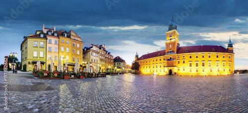 panorama-starego-miasta-w-warszawie-polska