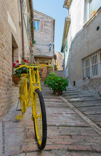 Foto op Plexiglas Smal steegje Recanati, Italy
