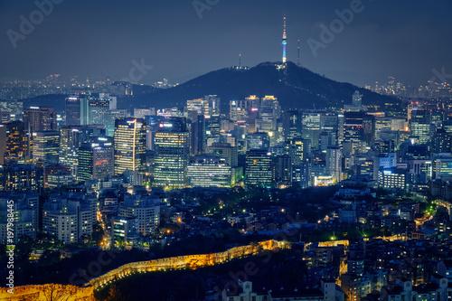 Fotobehang Seoel Seoul skyline in the night, South Korea.