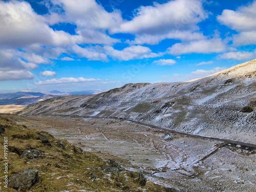 Fotobehang Blauwe hemel Winter in Snowdonia, Wales, UK