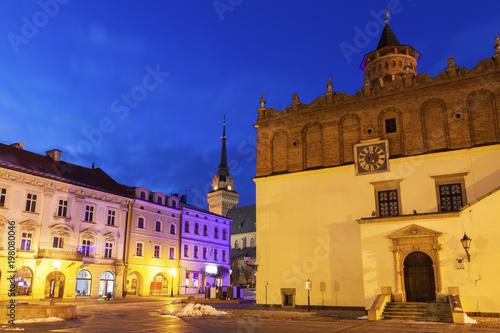 Foto op Plexiglas Donkerblauw City Hall of Tarnow at night