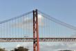 Ponte 25 de Abril, Hängebrücke, eingeweiht 1966, Alcantara, Lissabon, Lisboa, Portugal, Europa