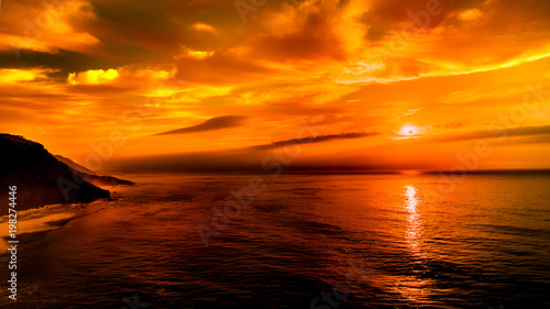 Foto op Canvas Zee zonsondergang Sunrise over the ocean