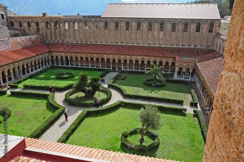Fotobehang Palermo Il Chiostro del Duomo di Monreale - Sicilia