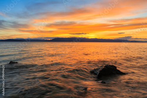 Fotobehang Zee zonsondergang Lake Sunset