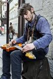 Artiste de rue. Guitariste - 198813222