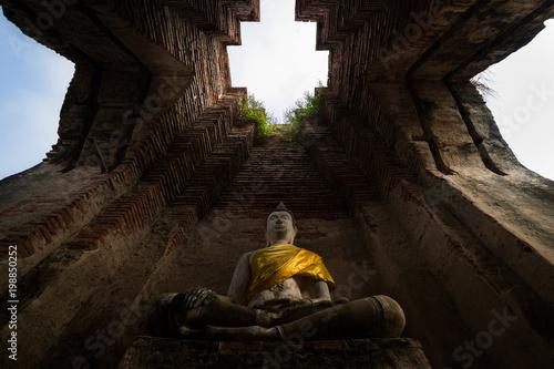 Fotobehang Boeddha Buddha ancient, Nakorn luang Temple, Ayutthaya, Thailand