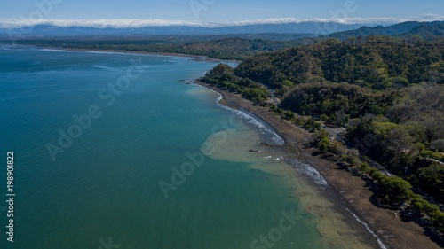 Fotobehang Groen blauw Beautiful aerial view of the beach in Costa Rica