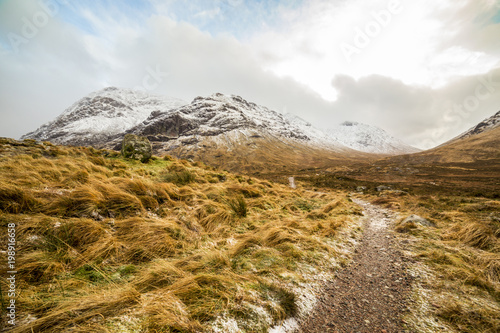 In de dag Honing Scotland highlands near Glencoe, beautiful winter landscape for travel and hiking.