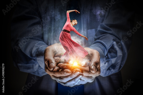 Zdjęcia na płótnie, fototapety na wymiar, obrazy na ścianę : Dance is her passion