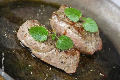 Foto op Plexiglas Steakhouse Wildschweinrückensteak