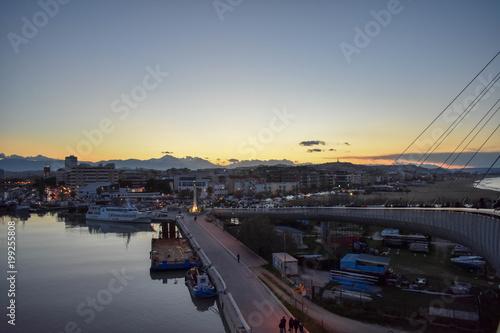 Foto Murales Beautiful View from Pescara Bridge